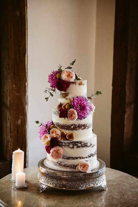 Wedding cake on stand